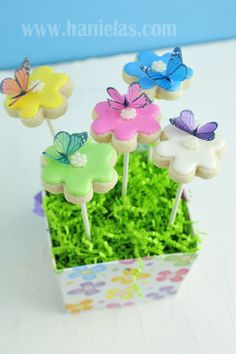 Hanielas: Butterfly Flower Cookie Bouquet