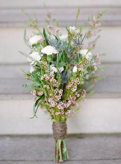 My bouquet: something with this shape/look, but some baby's breath and blue/white color scheme. I like thistle and cornflower. My bouquet: something with this shape/look, but some baby's breath and blue/white color scheme. I like thistle and cornflower. Bouquet Bride, Flower Bouquet Wedding, Floral Wedding, Wedding Colors, Rustic Wedding, Bouquet Flowers, Blue Bouquet, Wedding Blue, Wedding Vintage