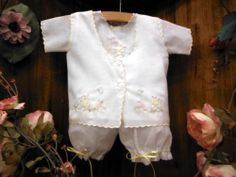 Will'Beth Vintage Inspired Newborn Baby Girl Embroidered Infant Outfit Sz 0