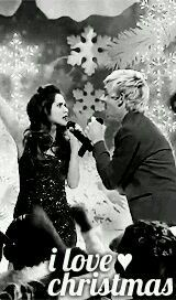 I love Christmas! I wish a merry christmas and a happy new year to all of my followers and the Austin and Ally fans!!!!