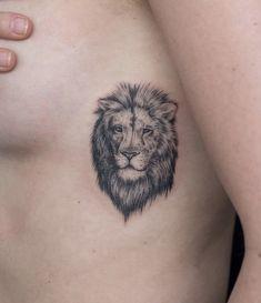 - My list of best tattoo models Leo Tattoos, Arrow Tattoos, Future Tattoos, Body Art Tattoos, Hand Tattoos, Tattos, Small Lion Tattoo For Women, Tattoos For Women, Small Meaningful Tattoos