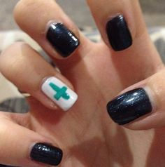 Cross nail art