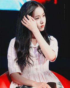 SinB South Korean Girls, Korean Girl Groups, Sinb Gfriend, Entertainment, G Friend, Girl Crushes, Rapper, Idol