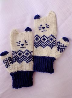 Free pattern for Norwegian Kitten Mittens Toddler Mittens, Baby Mittens, Knit Mittens, Baby Knitting Patterns, Kitten Mittens, Fair Isles, Fingerless Gloves Knitted, Mittens Pattern, Knitting Projects