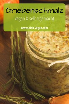 Ein leckerer veganer Brotaufstrich: Griebenschmalz, eine tolle Alternative #vegan #brotaufstrich #abendessen #rezeptevegan #aufstrich #lecker Pesto, Dips, Vegane Rezepte, Diy, Crafting, Cool Recipes, Sauces, Dip