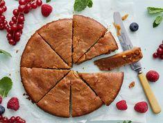 Kinuskimutakakku | Valio Funny Cake, Sweet Cakes, Pretty Cakes, Something Sweet, Yummy Cakes, Food Pictures, Good Food, Food And Drink, Baking