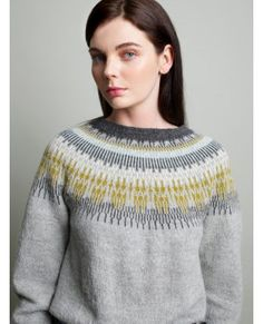 APRILGENSER i Inca alpakka. Garnpakke fra Pt Design/Rauma Garn. Nordic Sweater, Men Sweater, Sweater Knitting Patterns, Knitting Sweaters, Fair Isle Knitting, Fair Isles, Knitting Projects, Needlework, Knitwear