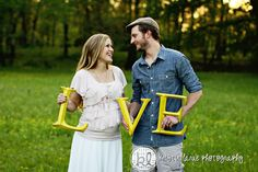 Super cute & classic maternity photo idea. I'm a sucker for typography in photos!
