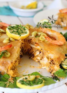 pastilla with fish and seafood Vegetarian Recipes Dinner, Dinner Recipes, Healthy Recipes, Morrocan Food, Ramadan Recipes, Arabic Food, Pasta, Fish And Seafood, Food Videos
