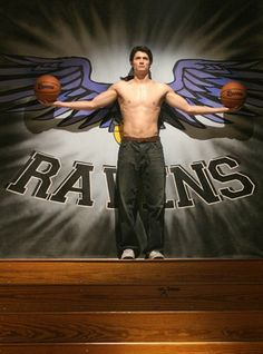 Day 5- favorite actor- James Lafferty. I have absolutely loves watching him grow as an actor. And seeing him shirtless has helped :)