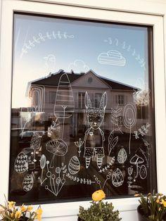 Ostern   chalk marker on glass   Fenster bemalen mit dem Kreidestift   Easter   Fensterdekoration Chalk Pens, Chalk Markers, Chalk Art, Easter Art, Easter Colors, Window Art, Tag Art, Happy Easter, Glass Paint