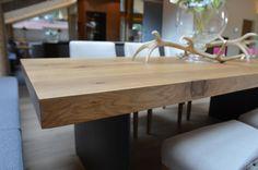 Tisch Eiche/ massiv /Füße Eisen/ The Kitchen Club in Kirchberg i. Tirol Kitchen Club, Dining Table, Furniture, Home Decor, Carpentry, Dinner Table, Decoration Home, Room Decor, Home Furnishings