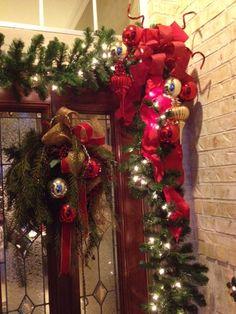 Christmas decor - Front door Merry Christmas Eve, Christmas Time Is Here, Christmas 2015, Christmas Stuff, White Christmas, Christmas Ideas, Christmas Crafts, Outside Decorations, Christmas Door Decorations