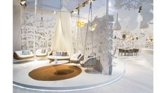 DEDON: SALONE INTERNAZIONALE DEL MOBILE 2014 'Swing me' armchair and 'Swing Rest' day bed.