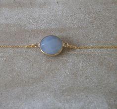 Vergoldetes 925 Silber Armband blaugrauer Stein von MirakelSchmuck auf Etsy Vintage, Sunglasses, Etsy, Fashion, Schmuck, Blue Grey, Stones, Moda, Fashion Styles