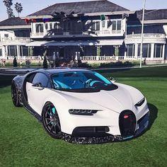 41 Ideas for super cars dreams bugatti veyron Luxury Sports Cars, Top Luxury Cars, Exotic Sports Cars, Cool Sports Cars, Sport Cars, Cool Cars, 4 Door Sports Cars, Bugatti Veyron, Bugatti Cars