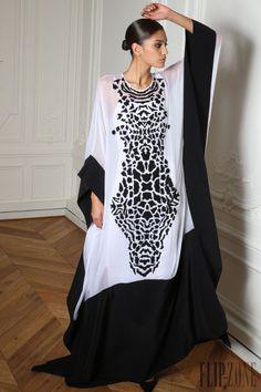 "Zuhair Murad ""Microcosmos"", S/K 2014-2015 - Hazır giyim - http://tr.flip-zone.com/fashion/ready-to-wear/fashion-houses-42/zuhair-murad-4638"
