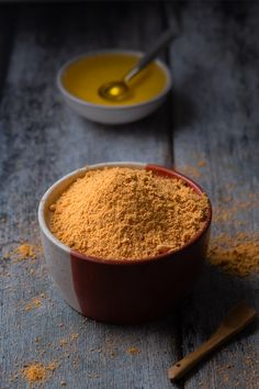 If Sambar & Chutneyisthe popularside dish ofIdli & Dosa; Idli Milagai Podi is thebeloved one!A mix of lentils and red chillies; a spicy aromatic South Indian condiment that is mixed with Sesame oil while eating; a perfect side for Idli & Dosa.