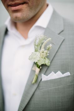 Groom flower / Groom bouts / Gray groom suit / Groom boutonniere / San Diego Beachside Wedding // Romantic Beach Wedding // Vintage // Lucky Day Events Co. // SD Wedding // Loews // Aaron Young Photography
