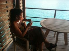 Richelle looking super young in Bora Bora