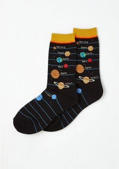 When you need to pick up the 'space' in the morning, turn to these cosmic socks! Energizing your outfit with a geek-chic print of the solar system and sunny yellow trim, this pair rockets you towards a fun-fueled day.