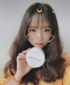 ஒєℓιѕιє Ulzzang Korean Girl, Cute Korean Girl, Cute Asian Girls, Cute Girls, Most Beautiful People, Pretty People, Ulzzang Glasses, Unique Braided Hairstyles, Baby Pink Aesthetic