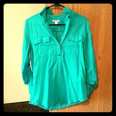 MUST GO! 🎄🎉Teal Blouse 3/4 sleeved buttoned blouse. Always recieved compliments when wearing it! Light and airy, comfortable even in the warmer months.  Reasonable offers welcome! ❤ Remember I offer 20% discount on bundles! Old Navy Tops Blouses