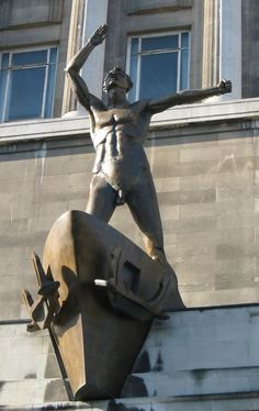 Over the Entrance to Lewis's Lime Street - Meet under a statue exceedingly bare in my Liverpool home Liverpool Town, Liverpool Docks, Liverpool History, Liverpool England, Southport, Historical Pictures, Public Art, Old Pictures, Sculptures