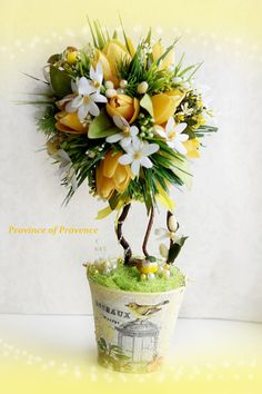 Топиарий `Весна с тюльпанами`. Весенняя работа с первоцветами, тюльпанами и котиками. Горшочек ручной работы(структурная паста, кракелюр, декупаж, жидкий…