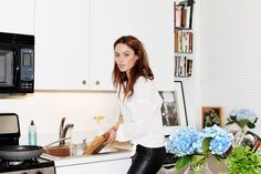 Nicole Trunfio in New York | Sous Style... wish I looked this good washing the dishes