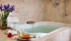 California Jacuzzi Suites In Room Hot Tubs La Napa Palm Springs Etc Modern Hot Tubs Hot Tub Romantic Bath