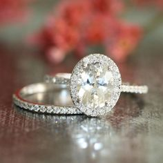 Hey, I found this really awesome Etsy listing at https://www.etsy.com/listing/194785108/wedding-set-of-halo-diamond-engagement