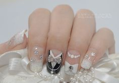 Cute :) I'd put the groom on index finger and bride on middle then just married on ring finger