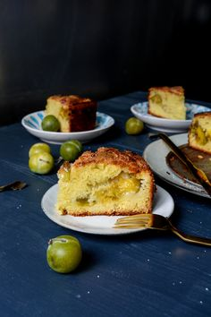 French Yogurt Cake with Greengage Plums for a late summer Sunday — Meike Peters Plum Recipes, Gourmet Recipes, Dessert Recipes, Cooking Recipes, Yogurt Recipes, Ww Recipes, German Waffle Recipe, French Yogurt Cake, Kitchens