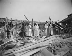 Nurses assessing damage done during air raid on No. 9 Canadian Stationary Hospital, Etaples on 31 May Photograph taken on 2 June Nursing In Canada, Spring Offensive, History Of Nursing, Air Raid, Vintage Medical, World War I, Military History, Nurses, First World