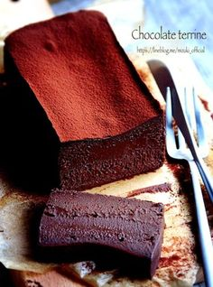 ♡チョコ好きさんに捧ぐ♡超濃厚チョコテリーヌ♡【#簡単#バレンタイン】|レシピブログ Chocolate Terrine, Chocolate Sweets, Sweets Recipes, Cake Recipes, Japanese Cake, Dessert Decoration, Cafe Food, Sweet Cakes, Cupcake Cakes
