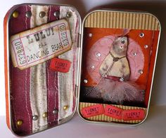 Oops, I Craft My Pants: Wicked Circus Altoids Tin...