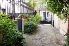 Paris : Rue et Villa Hallé, sérénité champêtre du village d'Orléans - XIVème…