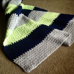 Babylovebrand.net...called moss, linen, or tweed stitch.  Double strand.  Free pattern
