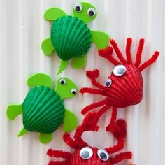 Cute Crabs Crafts, a great Beach Crafts for Kids. Perfect project for Spring Under The Sea Crafts for Kids shell crabsMake adorable crab art projects with little kids using seashells.Beach Crafts for Kids Materials: Shell, acrylic orange soda pop Crab Crafts, Vbs Crafts, Camping Crafts, Preschool Crafts, Magnets Crafts, Kids Magnets, Beach Themed Crafts, Preschool Classroom, Nature Crafts
