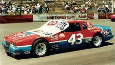 Randy Ayers' Nascar Modeling Forum :: View topic - Anybody fancy a . Nascar Race Tracks, Nascar Race Cars, Sports Car Racing, Auto Racing, Richard Petty, King Richard, Kyle Petty, Classic Race Cars, Pontiac Grand Prix