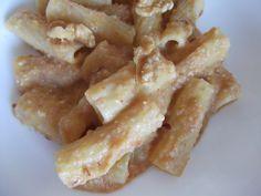 Tortiglioni cu cremă de dovleac și nuci