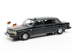 Matrix Scale Models Volvo Resin Model Car This Volvo Limousine Resin Model Car is Blue and features comes in a display case. It is made by Matrix Scale Models and is scale (approx. Volvo Models, Model Car, Diecast Models, Display Case, Scale Models, Resin, Cars, Blue, Glass Display Case