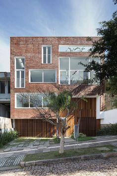 Galería de Berutti 160 / Comunello Felix Arquitetura - 1