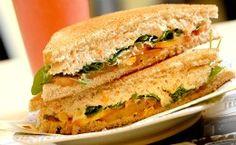Receita de sanduíche de pasta de atum com ricota.