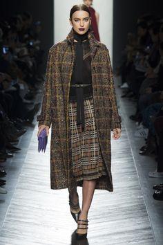 Bottega Veneta Fall 2016 Ready-to-Wear Fashion Show - Irina Shayk
