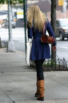 On the Street….West Village, New York par The Sartorialist The Sartorialist, Balenciaga, Cute Fashion, Fashion Outfits, Autumn Winter Fashion, Ideias Fashion, Winter Outfits, What To Wear, Style Me