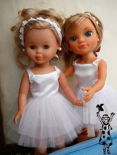 Vestidos de ballet o bailarina, inspiración para muñeca Nancy, foto de Anialegra. Girl Dolls, Baby Dolls, Pram Toys, Nancy Doll, Wellie Wishers, Cute Dolls, Doll Accessories, Barbie, American Girl