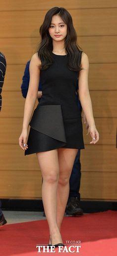 K-pop beautiful girl Korean Beauty, Asian Beauty, Asian Fashion, Girl Fashion, Belle Nana, Beautiful Asian Women, Sexy Asian Girls, Kpop Girls, Asian Woman