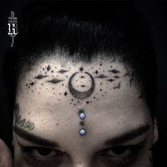 Começando o ano com muito mistério.  ---------------- #broncotattoo #tattoo #tatuagem #pontilhismo #dotwork #blackwork #blackworkerssubmission #darkartists #btattooing #curitiba #inkstinctsubmission #tattrx #InspirationTatto #tattoo2me #blackboldsociety #tattsketches #blackworkers #tattoo_clube #electricink